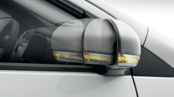 Retractable Side Mirrors With Turn Signals*